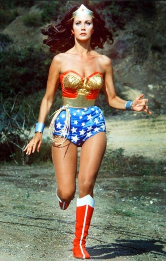 lynda-carter-running-wonder-woman-468x735